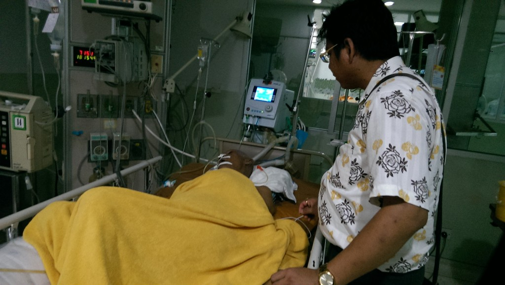 Ronnarong's dad, an old monk, went to hospital lately.